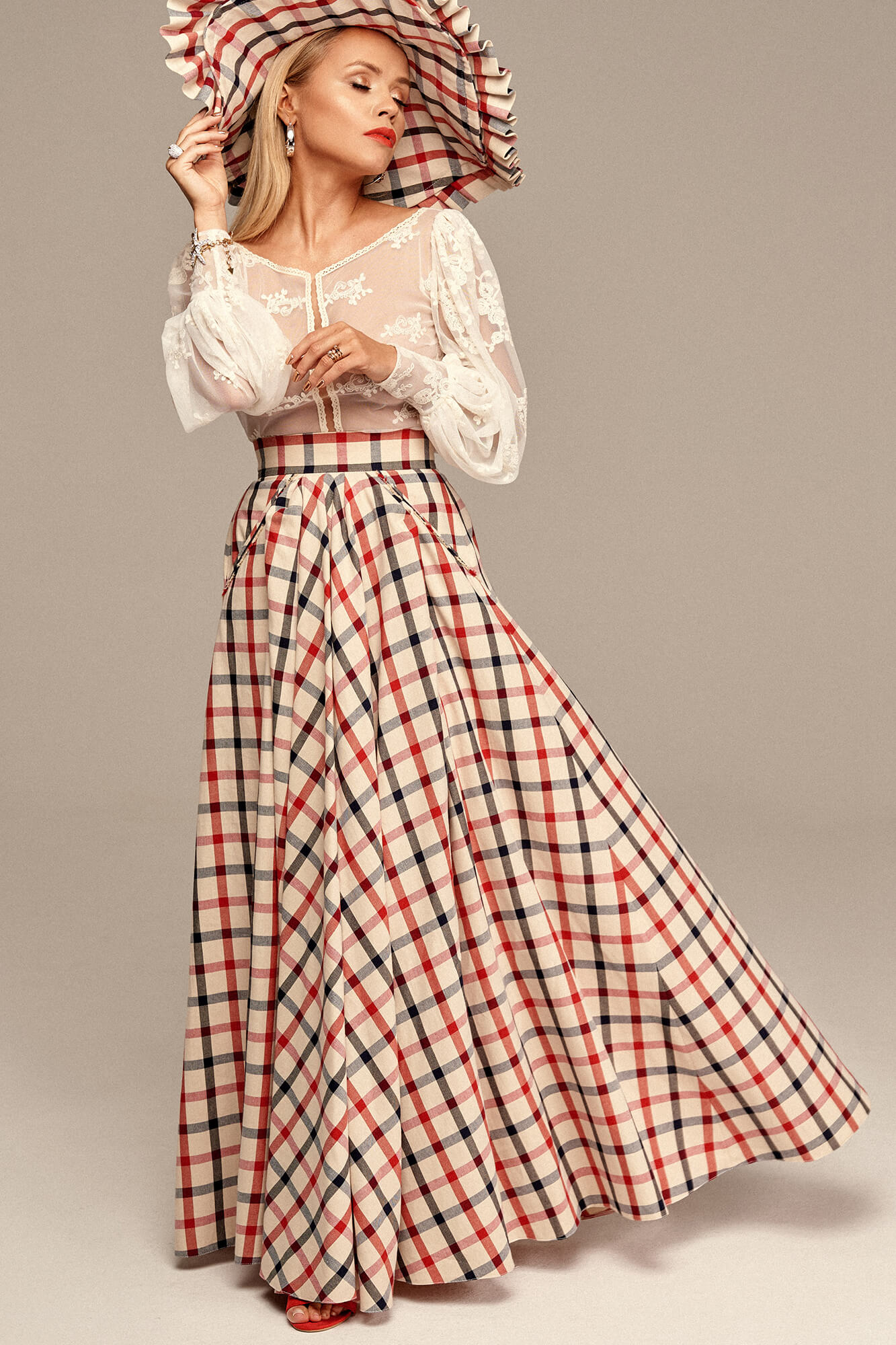 Długa spódnica w kratę no. 7 Haute Couture collection Haute Couture 7