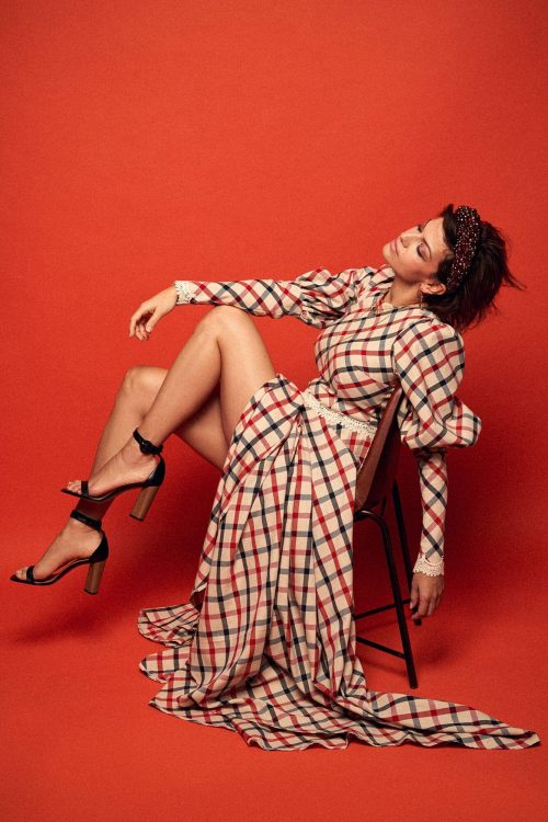 Długa suknia wieczorowa w kratę z bufiastymi rękawami no. 18 Haute Couture 18