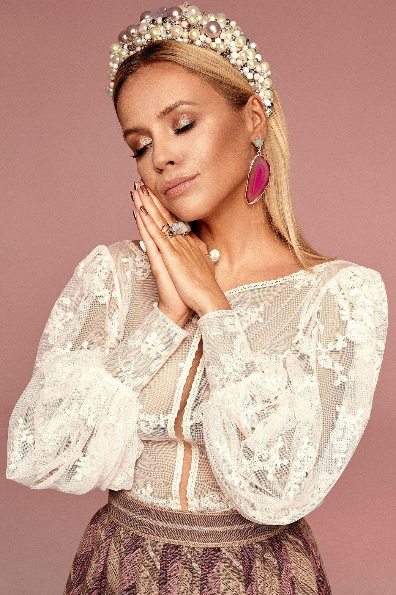 Koronkowa bluzka z bufiastymi rękawami no. 1 Haute Couture collection Haute Couture 1