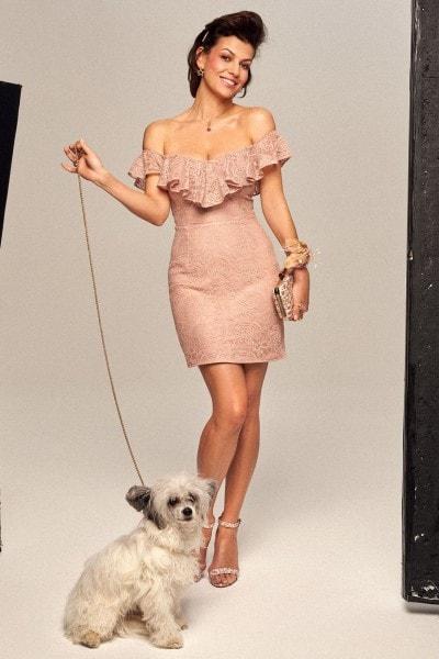 Koronkowa sukienka wieczorowa z dekoltem w stylu hiszpańskim no. 17 Haute Couture 17