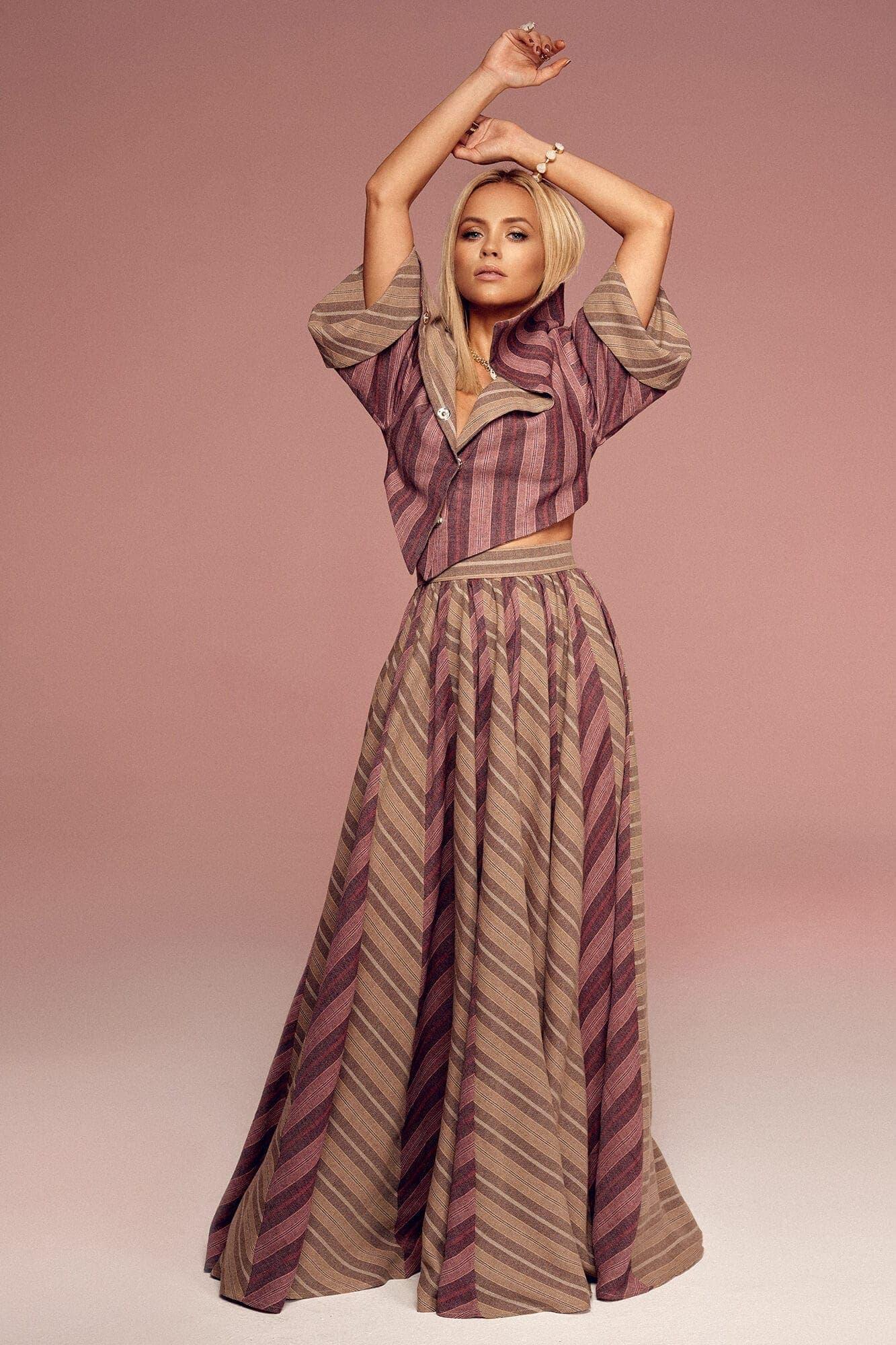 Obszerna spódnica z klinów no. 9 Haute Couture collection Haute Couture 9