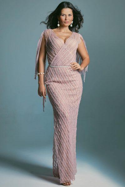 Skromna kopertowa suknia ślubna dla gruszki modelująca sylwetkę. Venezia 3