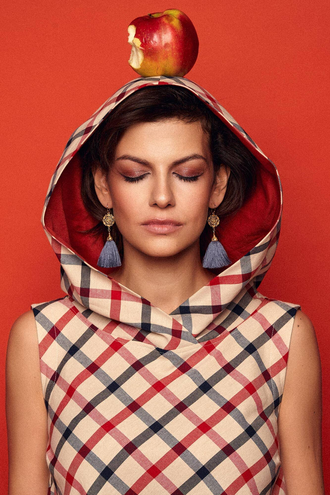 Checkered dress with a wide hood no. 19 Haute Couture collection Haute Couture 19