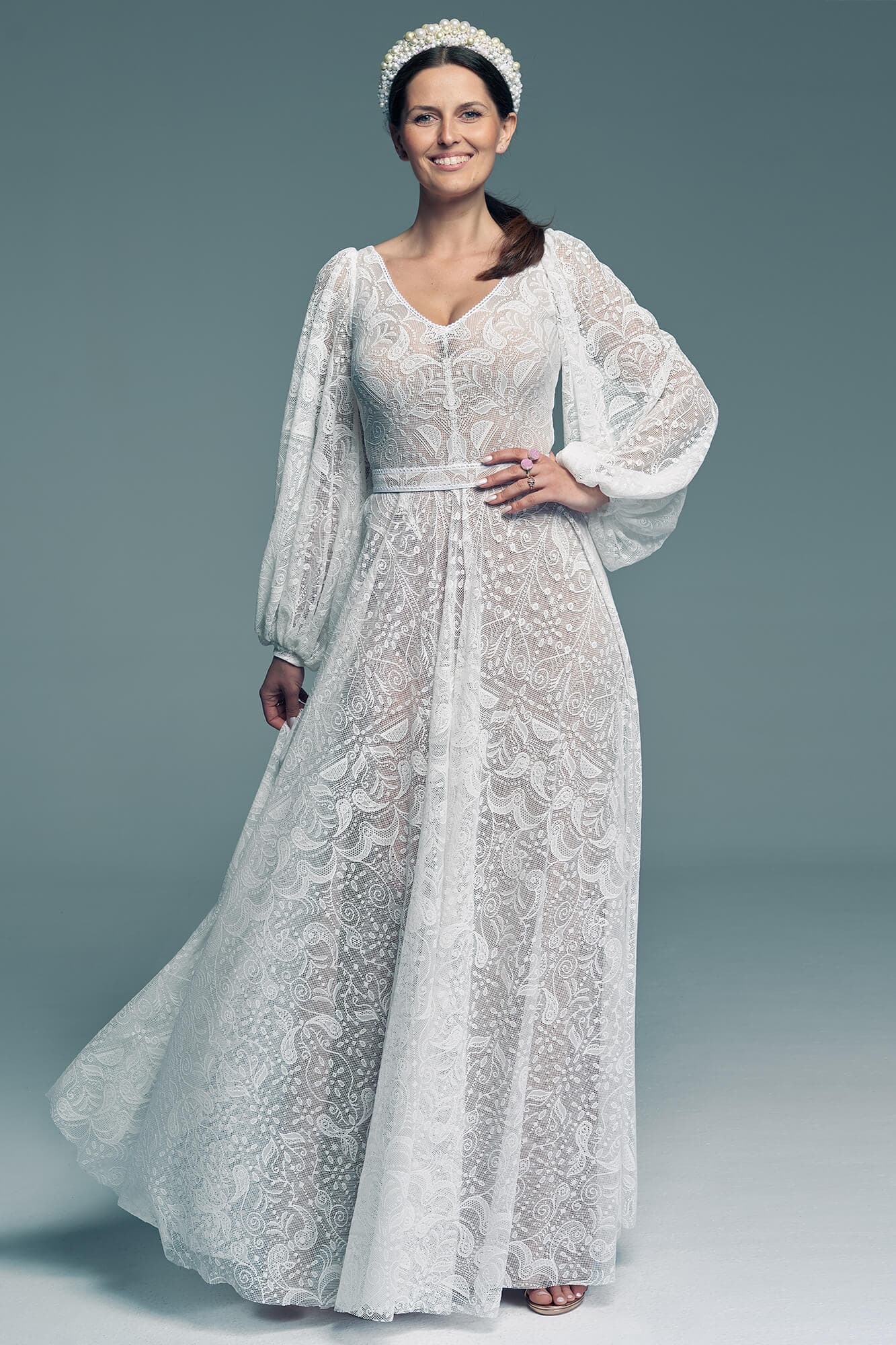 Wedding dress with loose sleeves and v-neckline Porto 58