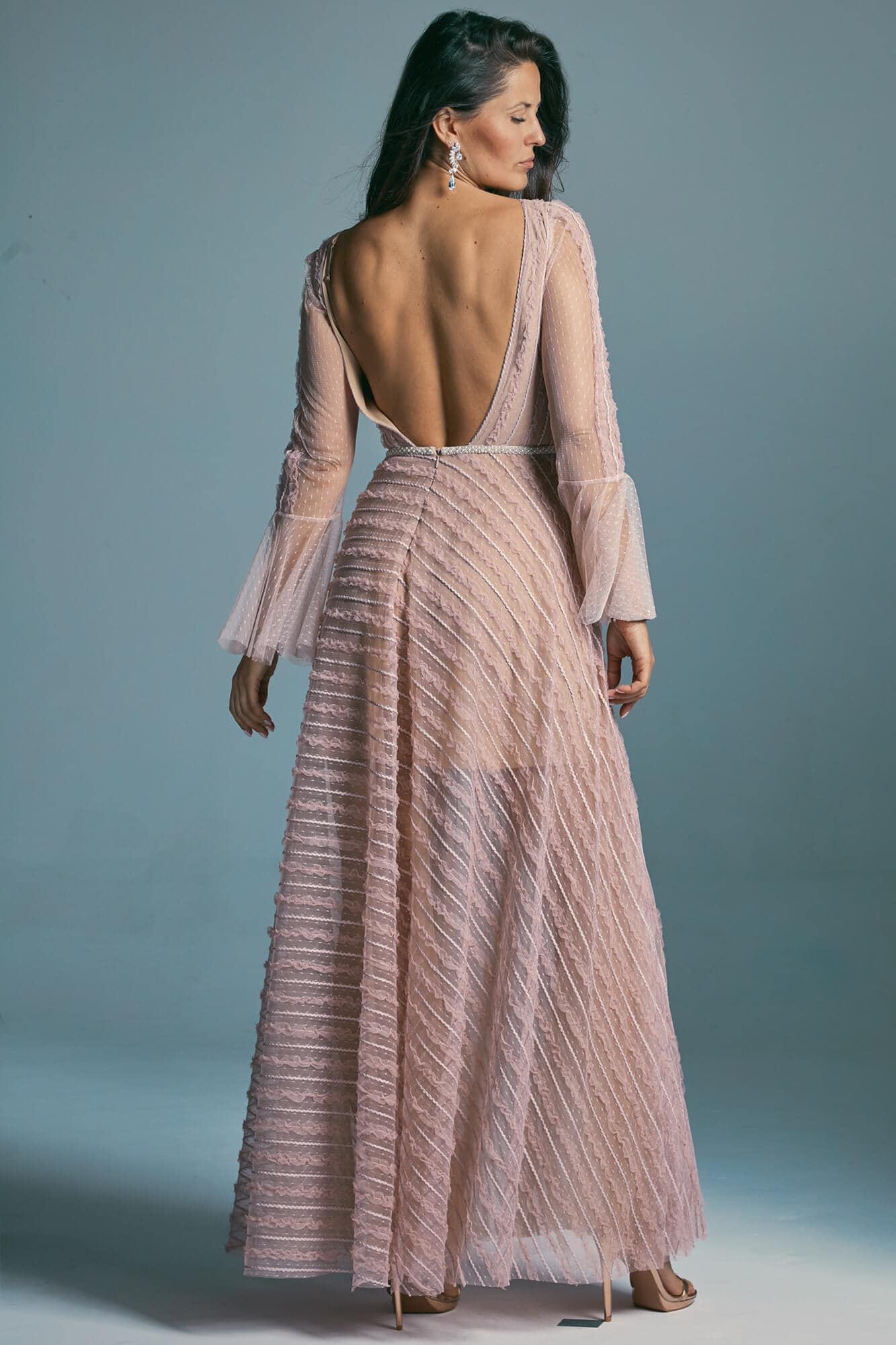 Suknia ślubna w kolorze brudnego różu z tiulu w delikatne kropki. Venezia 2