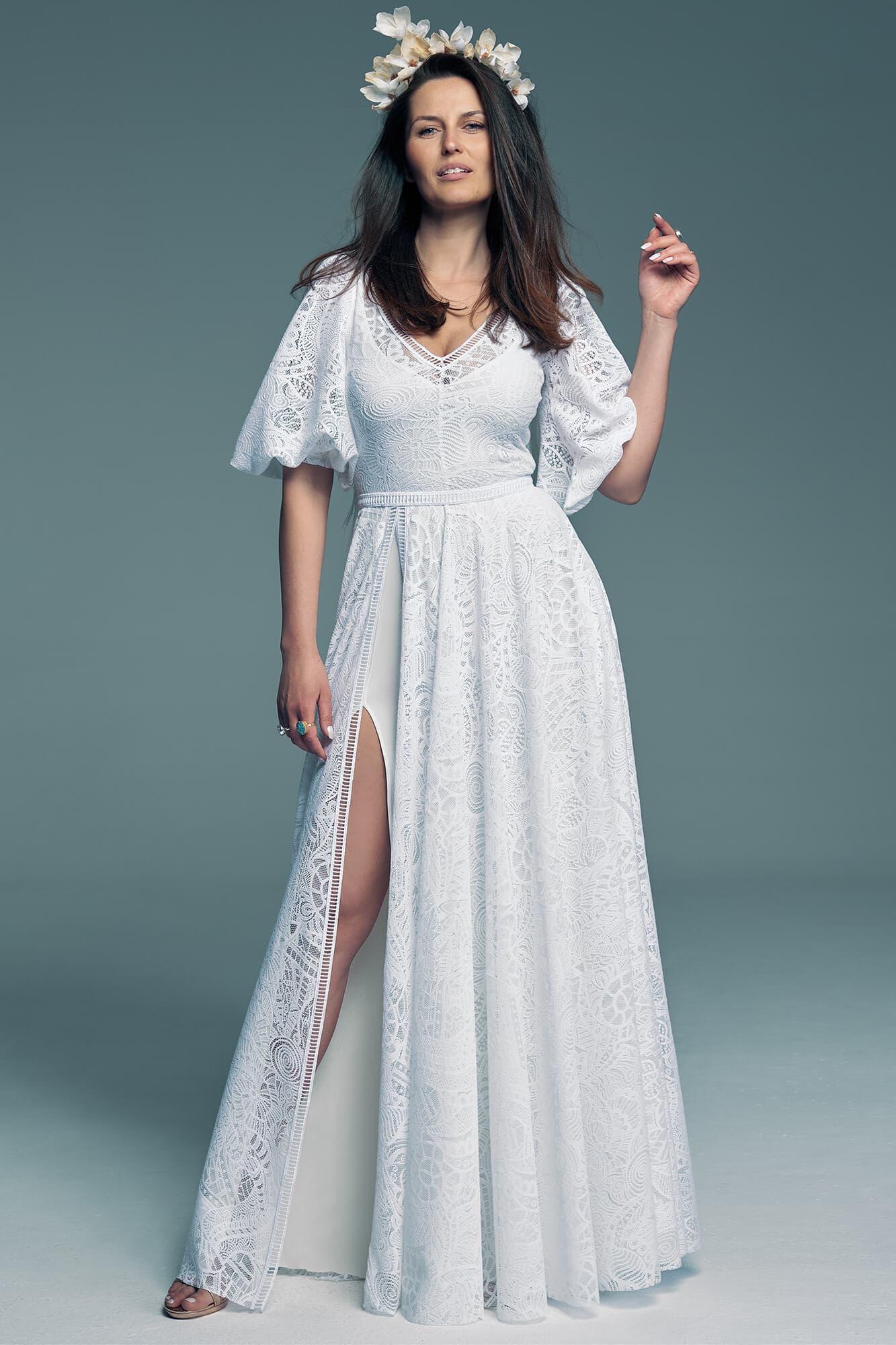 Piękna suknia ślubna z rękawami i seksownym rozporkiem Santorini 9