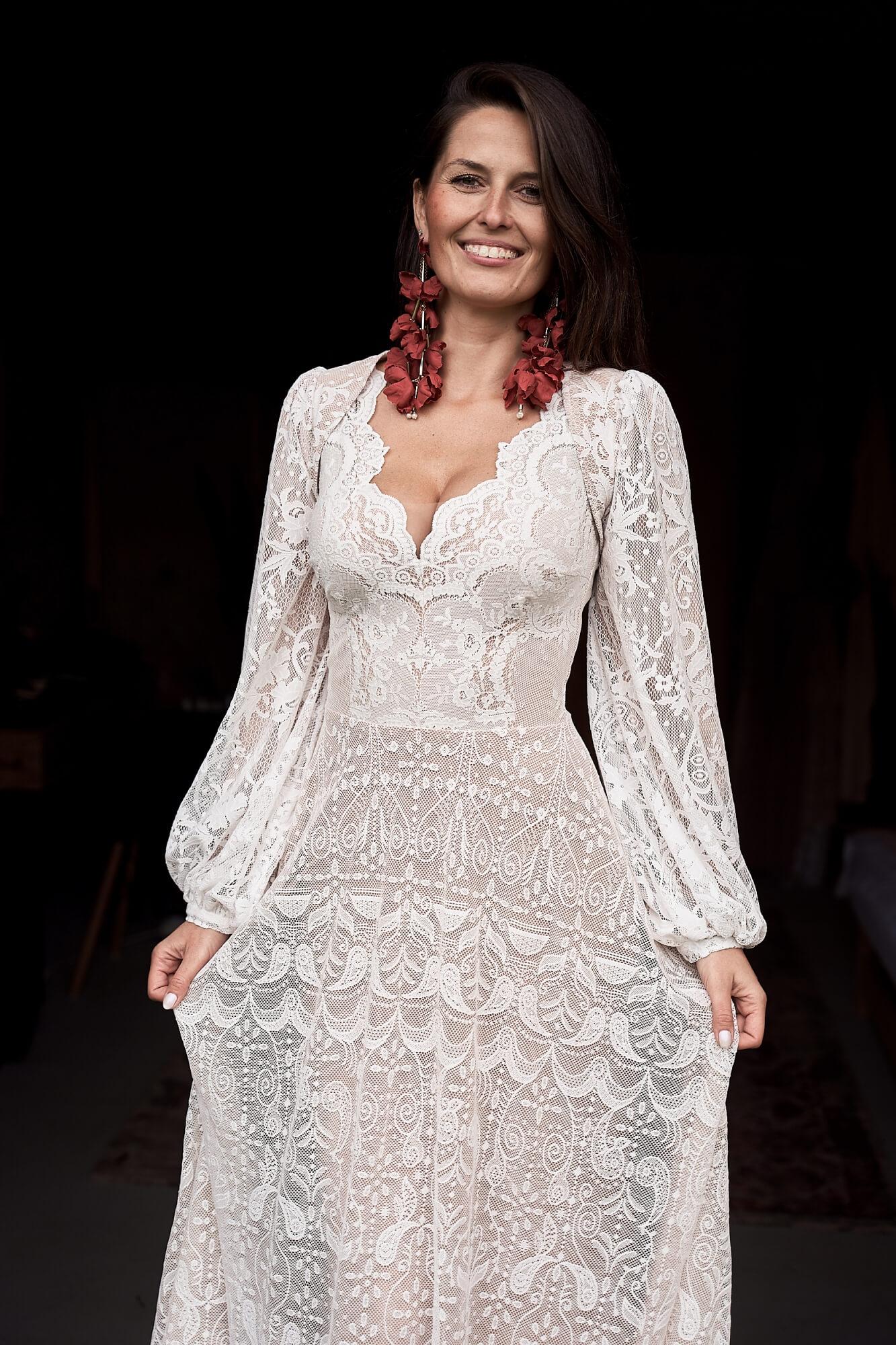 Ślubne bolerko koronkowe w odcieniach ecru, ivory, ciepłej bieli