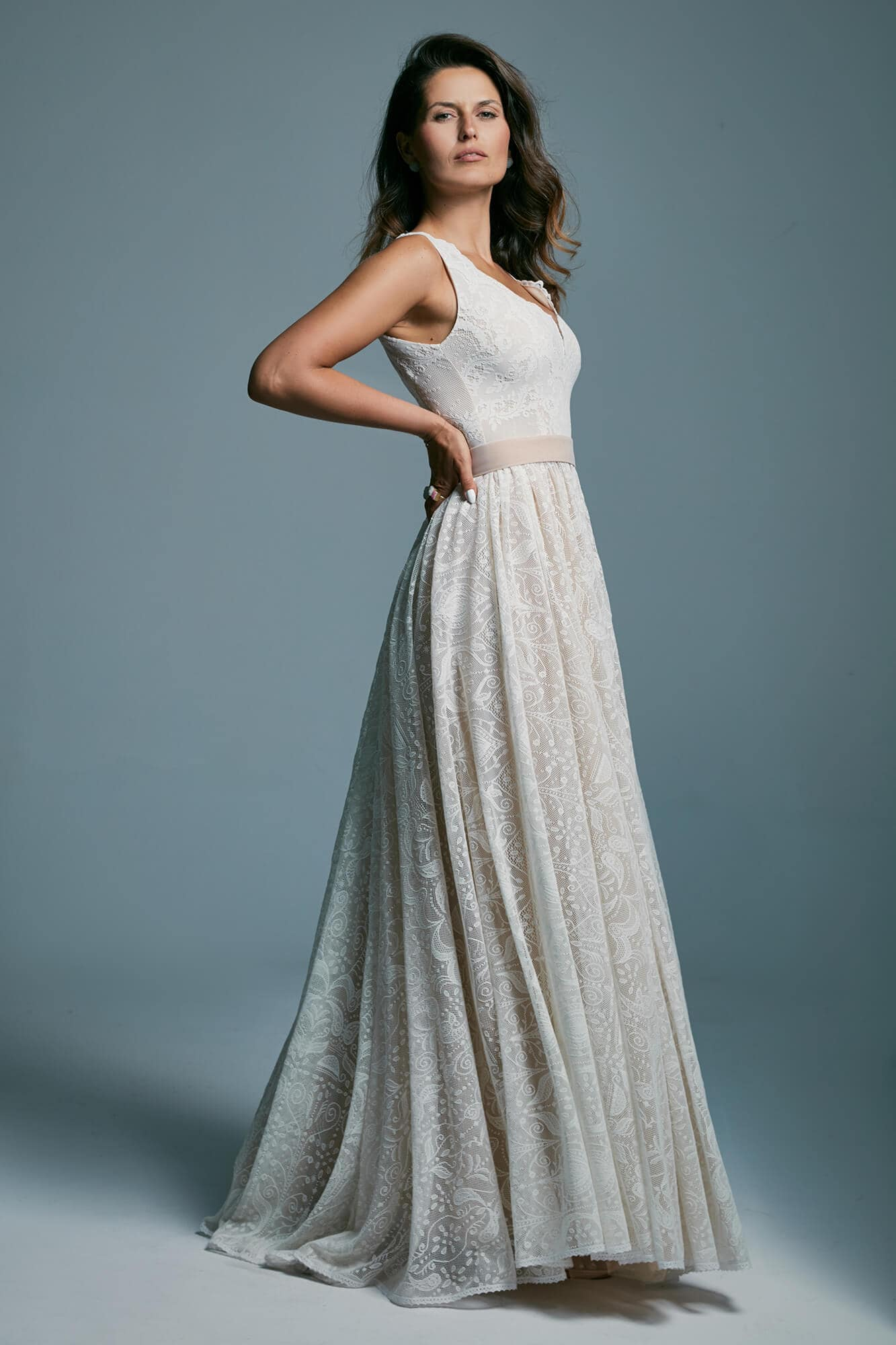 A beautiful, conservative wedding dress with an extremely fashionable cut Porto 45