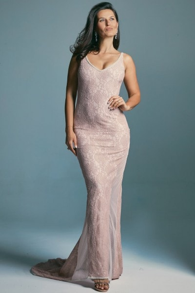 Wyjątkowo romantyczna i zjawiskowa suknia ślubna z trenem Venezia 1