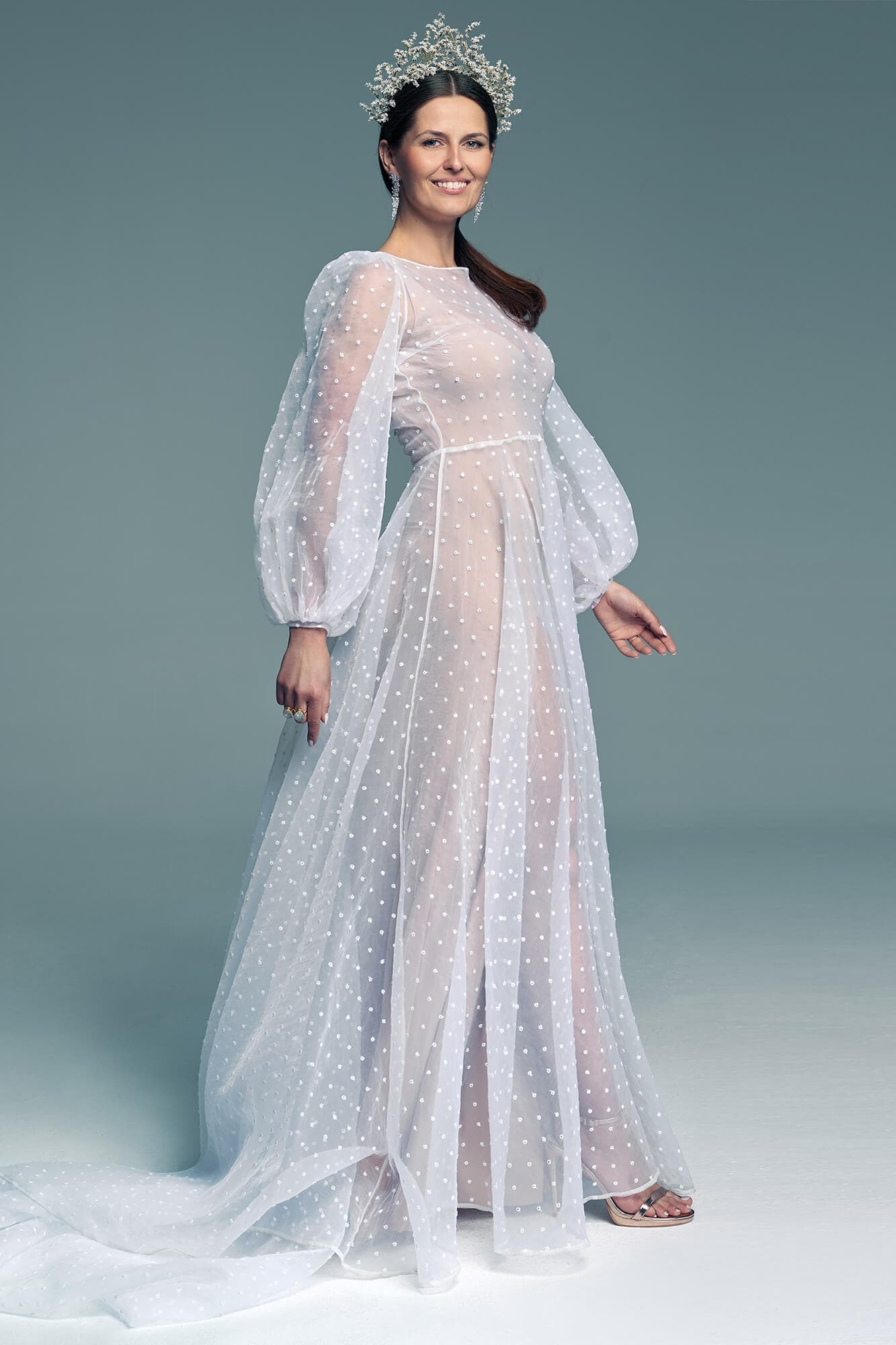 Biała suknia ślubna z bufiastymi rękawami Barcelona 23