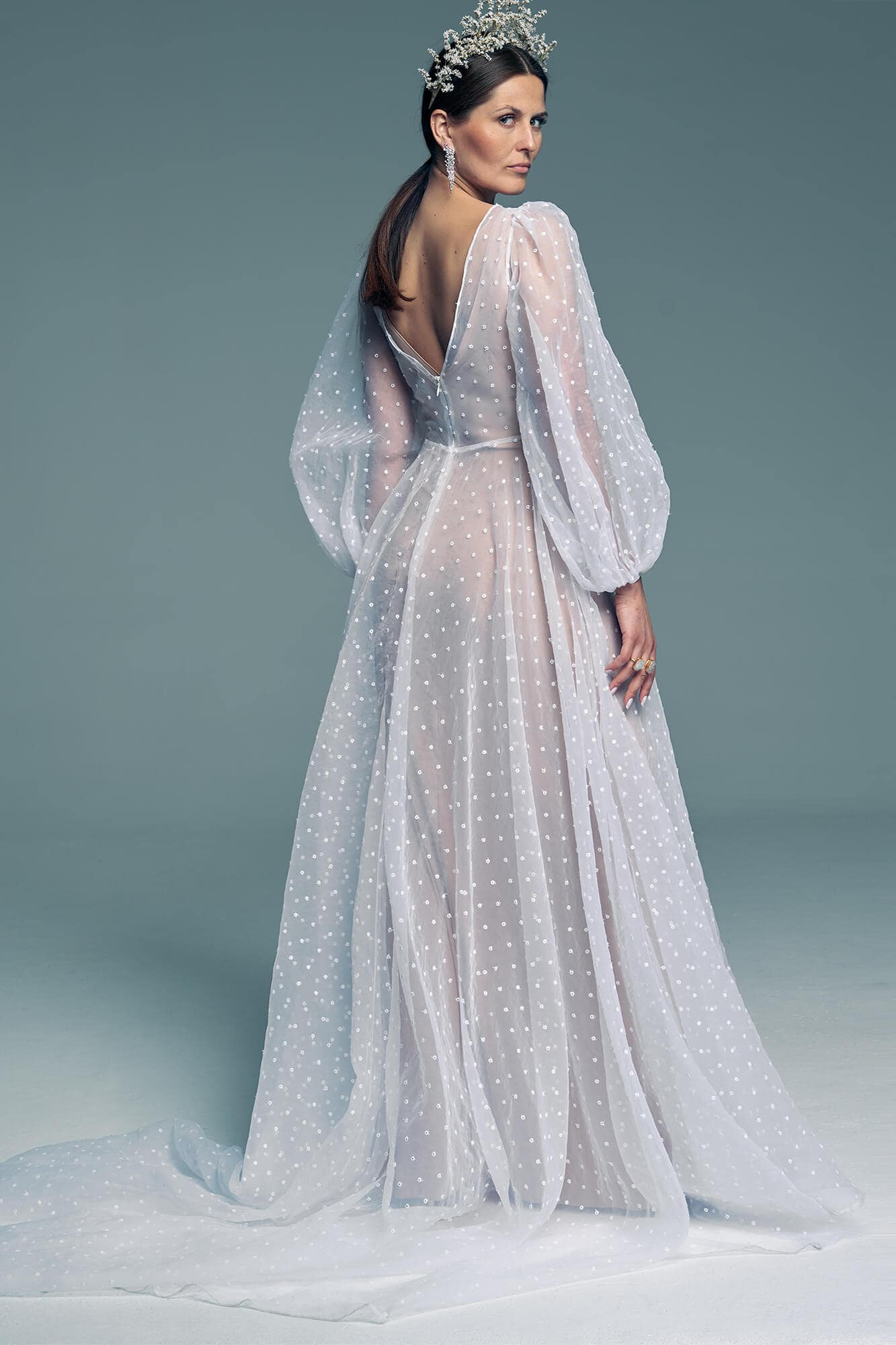 White wedding dress with puff sleeves. Barcelona 23