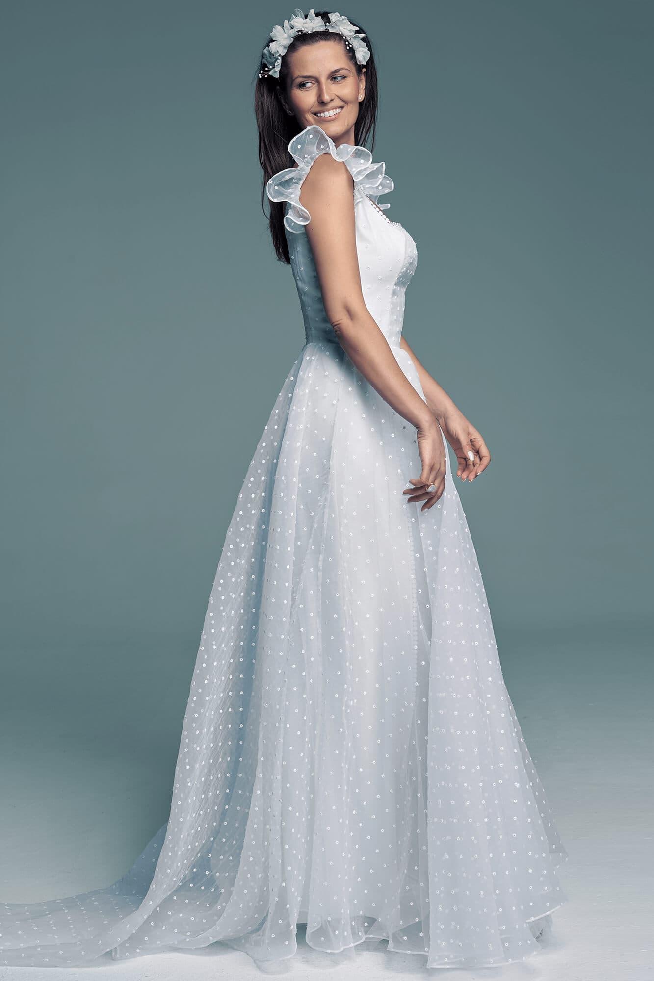 Disney wedding dress with square neckline Barcelona 27