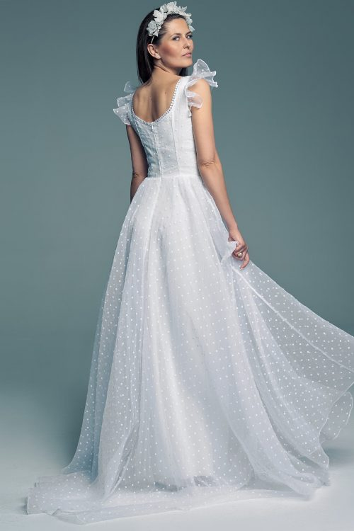 Disney wedding dress with square neckline Barcelona 27
