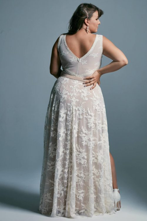 Sensual plus size wedding dress - beige with a classic cut Barcelona 19 plus size