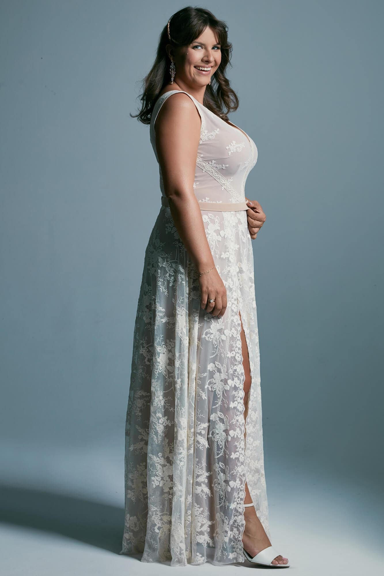 Sensual plus size wedding dress - beige with a classic cut Barcelona 19 plus size