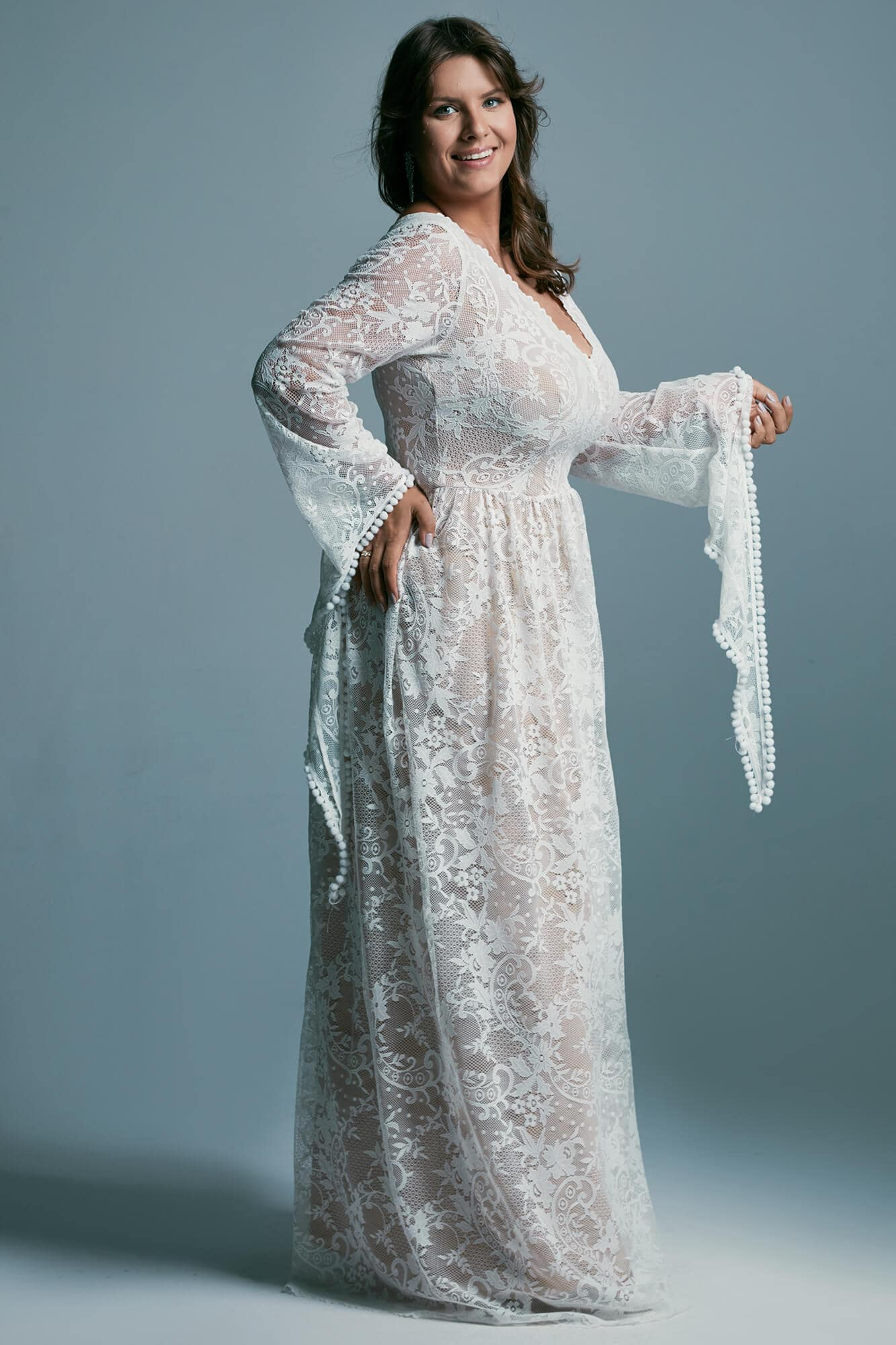 Fairytale plus size wedding dress with the appearance of a fairy with long sleeves Porto 17 plus size