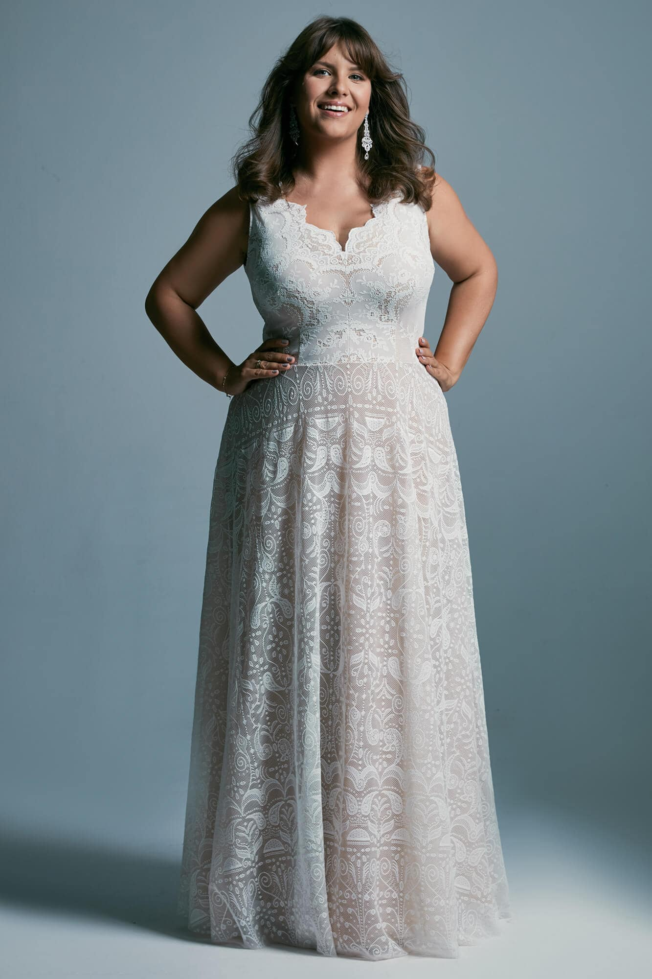 Plus size wedding dress with a sloping A-shaped skirt Porto 47 plus size