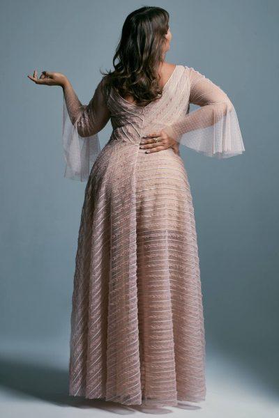 Tiulowa suknia ślubna plus size z rękawami w kształcie dzwonków Venezia 2 plus size
