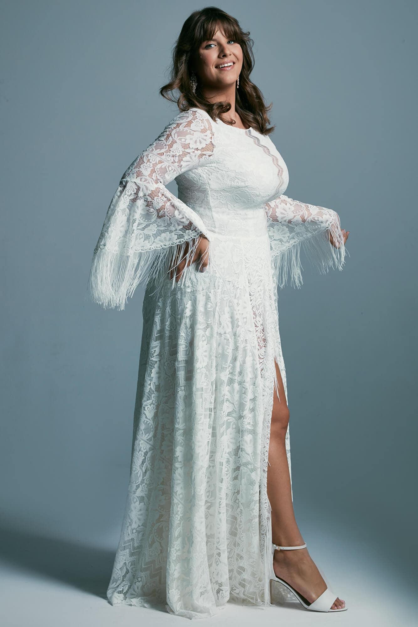 Suknia ślubna plus size z rozszerzanymi rękawami w stylu boho Porto 51 plus size