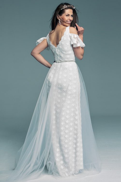 Wedding dress and a lace butterfly sleeve in ecru Barcelona 22