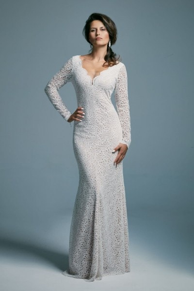 Elegant fitted long-sleeved wedding dress Porto 38
