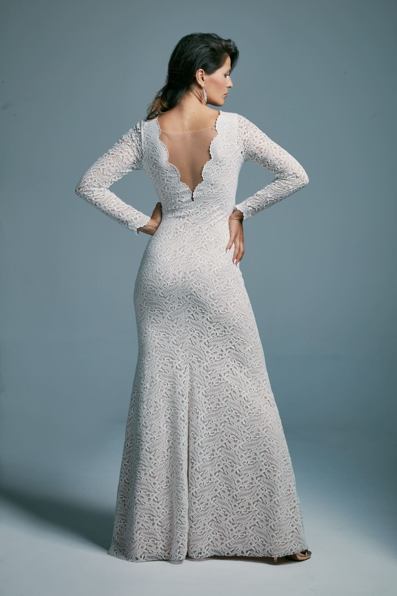Elegant fitted long-sleeved wedding dress Porto 38