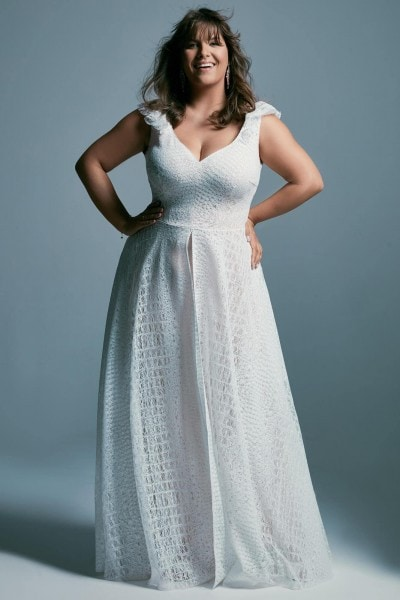 Plus size slimming lace wedding dress Santorini 4 plus size