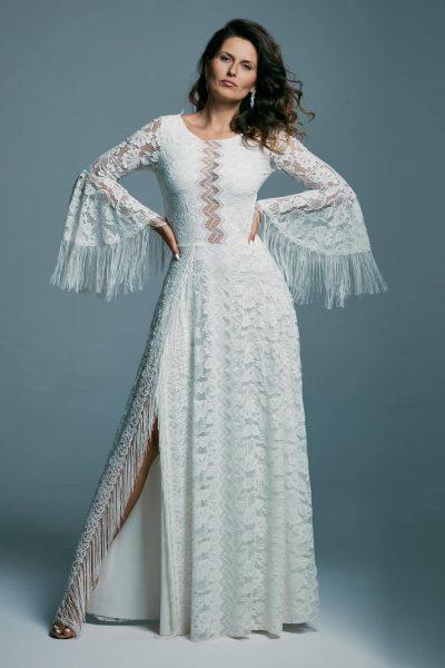Piękna suknia ślubna na białej podszewce z zabudowanym dekoltem Porto 51